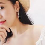 2018 Shiny Crystal Rhinestone Leaf Long Drop Dangle Earrings New Design Fashion Statement Jewelry For Women Gift Brincos 6A1023
